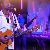 Jimmy Omonga live (3)
